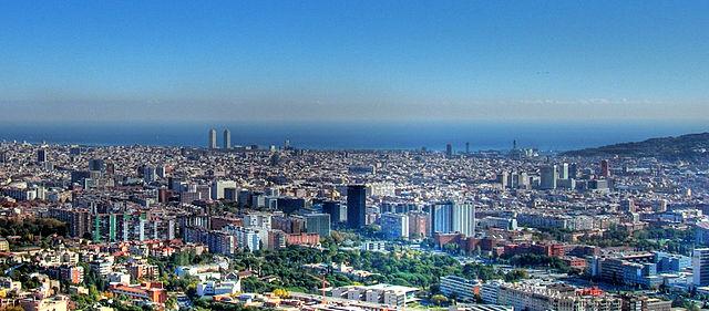 Barcelona från avstånd.
