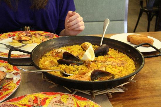 paella-barcelona-skaldjur